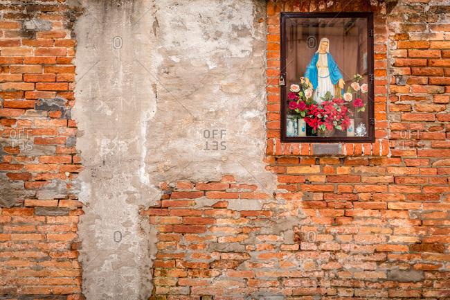 Virgin Mary Altar on the Streets of Venice