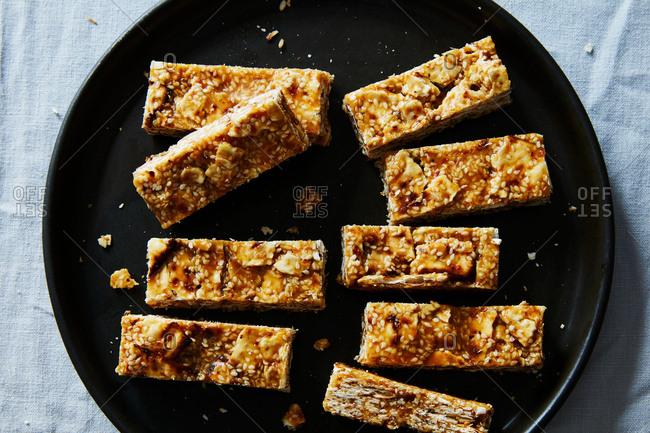 Sesame matzo dessert bars