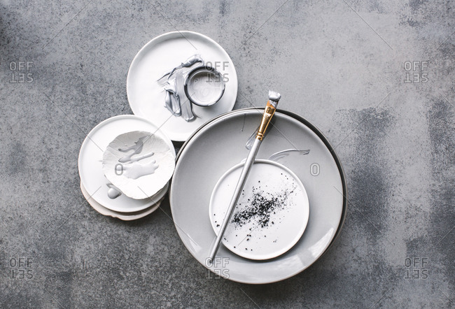 Grey artist plate - Offset Collection