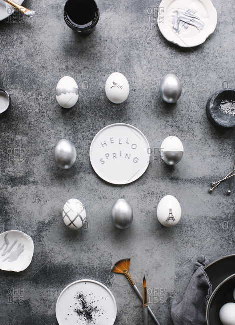 Stylish silver Easter eggs - Offset
