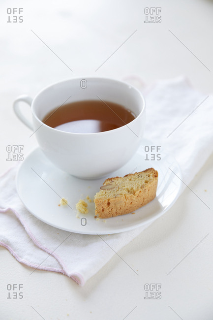 Biscotti on plate with tea