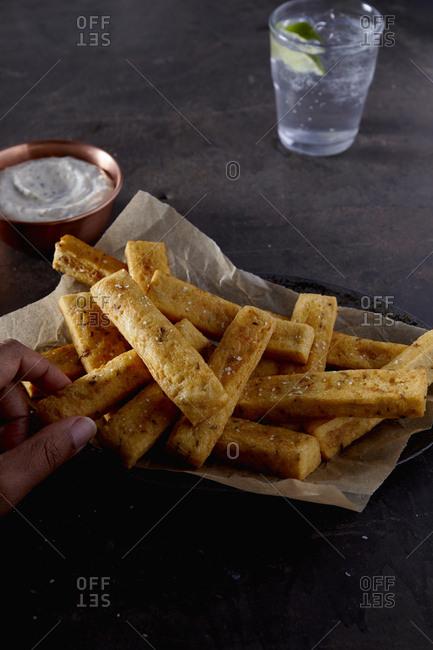 Snackin gon polenta fries