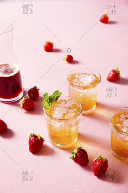 Strawberry shrub drink