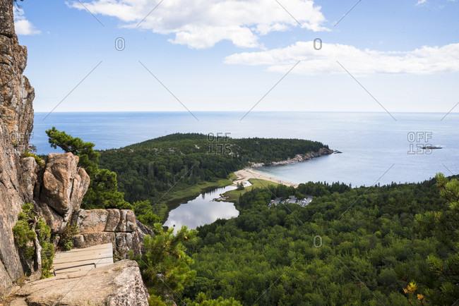 Beehive Trail scenery with coastline, Acadia National Park, Bar Harbor, Maine, USA