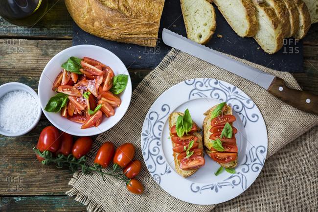 Bruschetta and various ingredients