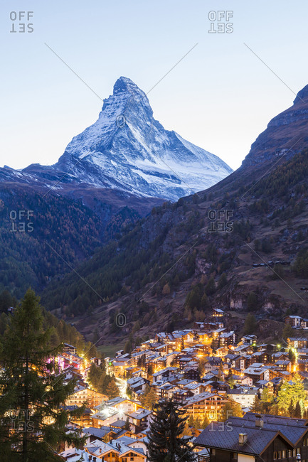 Switzerland- Valais- Zermatt- Matterhorn- townscape- chalets- holiday homes in the evening