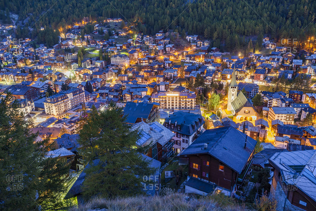 Switzerland- Valais- Zermatt- Matterhorn- townscape in the evening