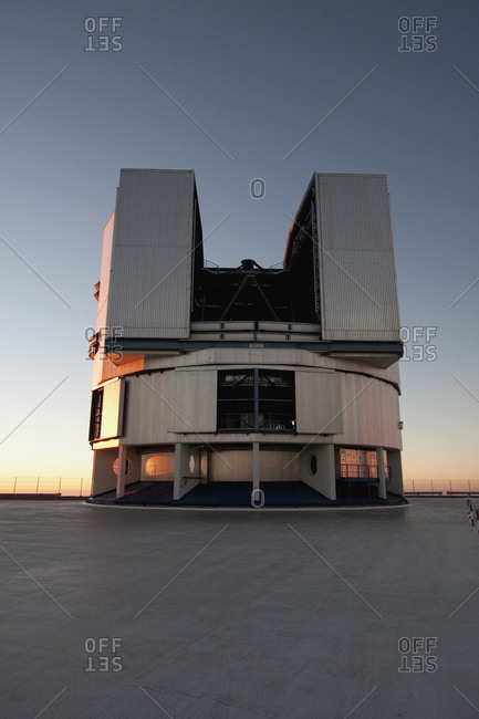 February 27, 2008: Moon Unit Telescope 2, Belonging To The Very Large Telescope (Vlt) Operated By The European Southern Observatory On Cerro Paranal At Sunset, Antofagasta Region, Chile