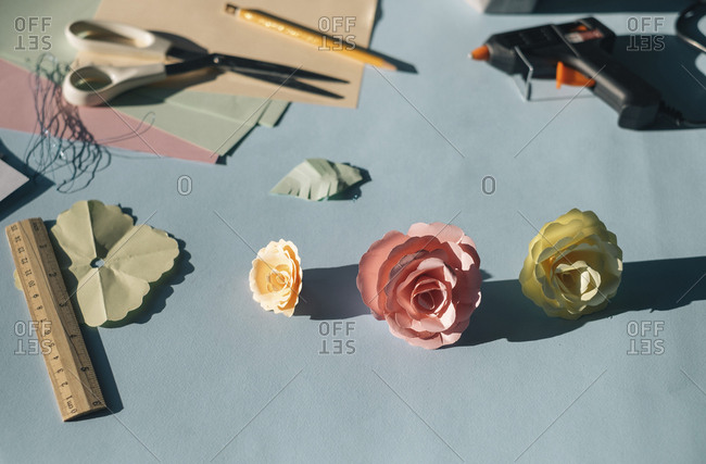 Paper flowers- tinkering