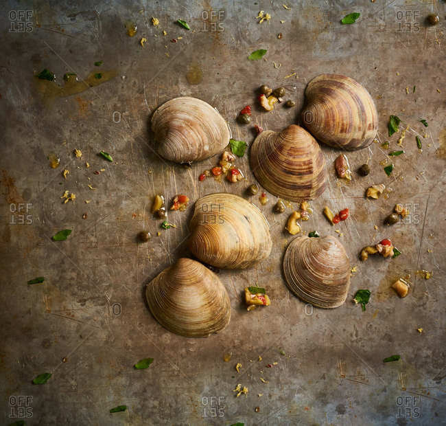 Marinated clams with olive oil and capers
