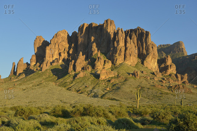 USA, Arizona, Lost Dutchman State Park, View looking towards the Superstition Mountains