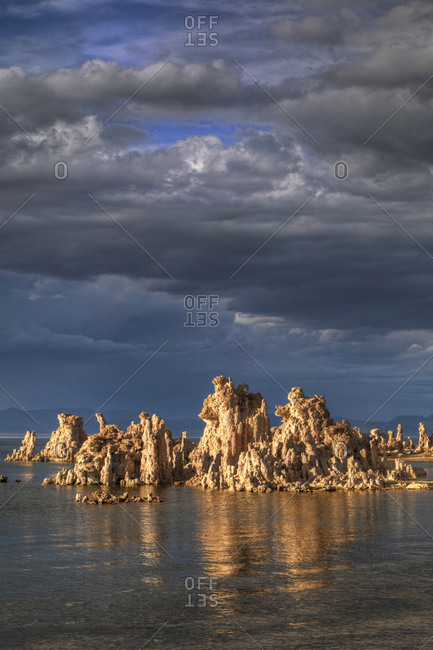 USA, California, Mono Lake, Tufa towers and storm clouds