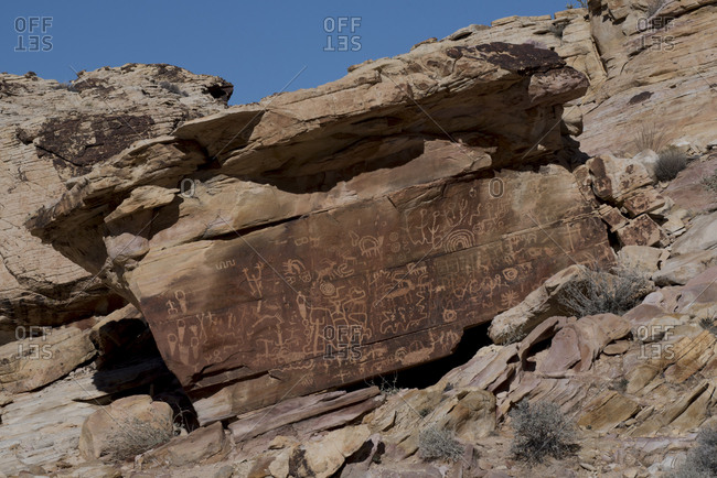 USA, Nevada, Ancient petroglyphs of Newspaper Rock at Gold Butte National Monument