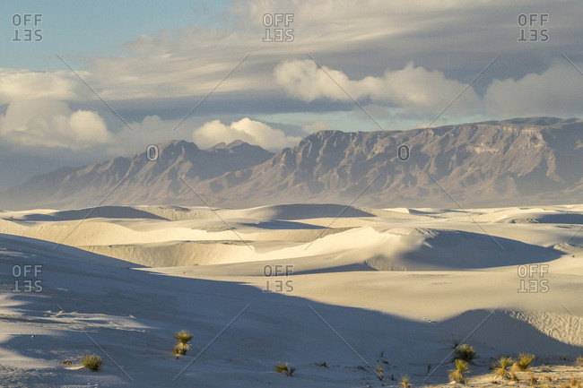 USA, New Mexico, White Sands National Monument, San Andres Mountains and sands