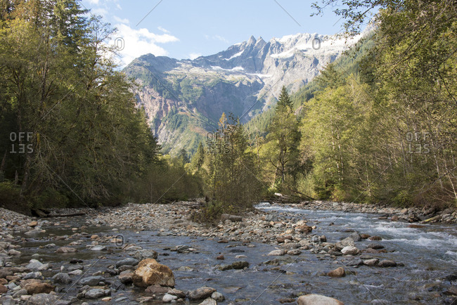 USA, Washington State, View of North Cascades from Baker River trail, Mt, Baker Snoqualmie National Forest