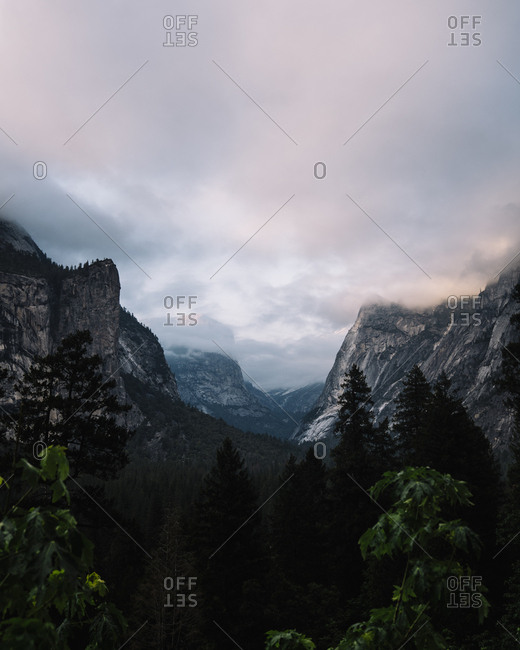 Idyllic view of mountain range against cloudy sky at Yosemite National Park