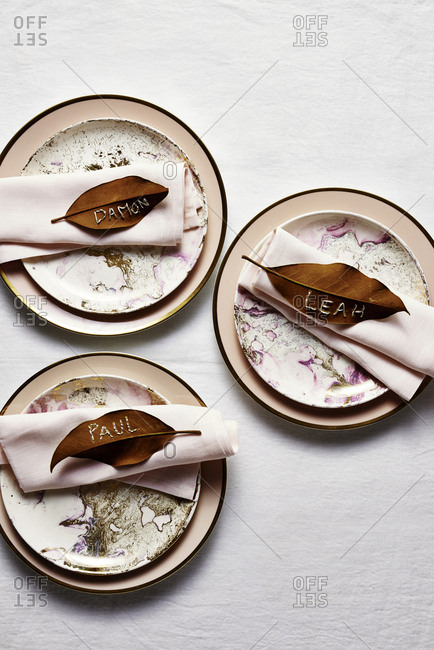 Leaf place cards on table settings