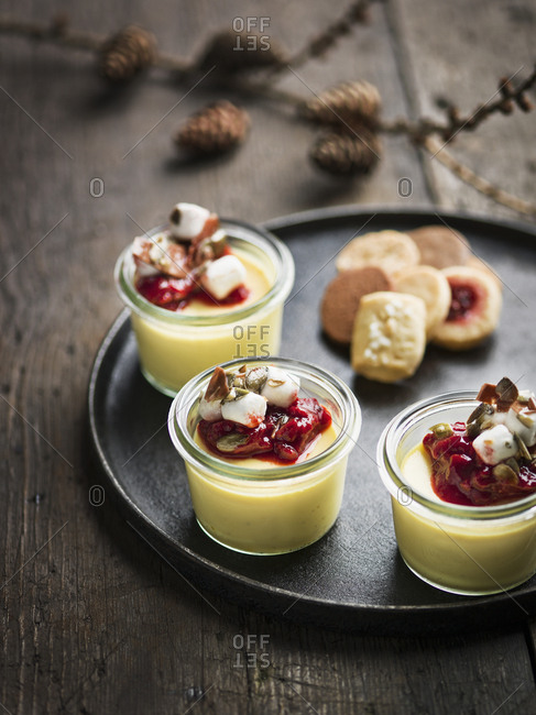 Custard with jam and cookies