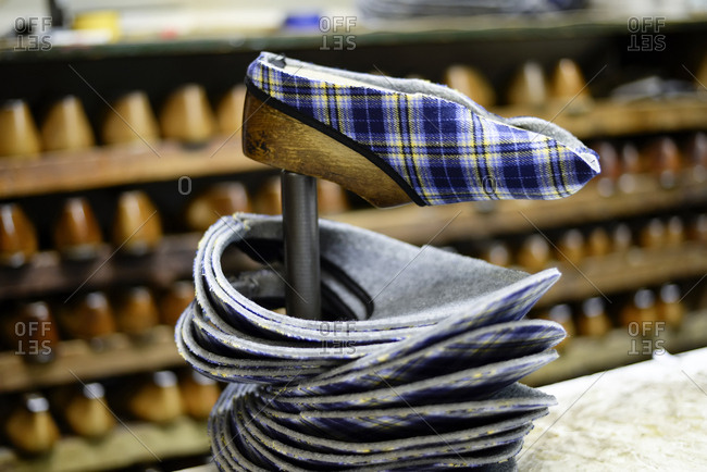 Manufacturing of slippers in cobbler's shop