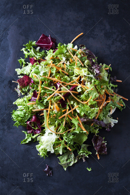 Mixed salad with lettuce- radicchio and carrots