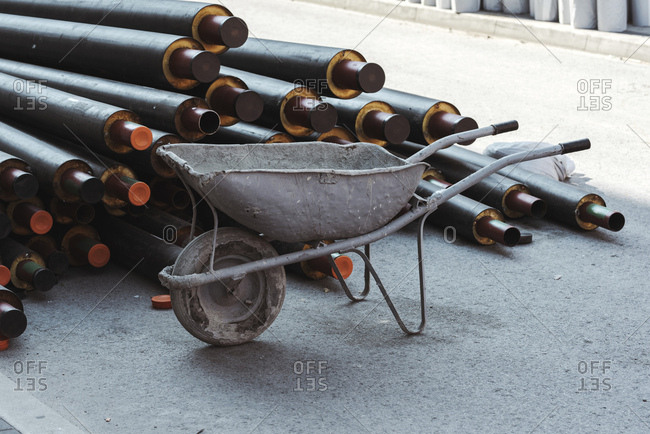 Wheelbarrow and heat pipes.