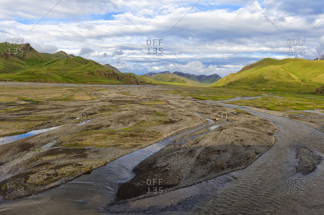 River coming from Kel-Suu mountain range, Kurumduk valley, Naryn province, Kyrgyzstan, Central Asia, Asia