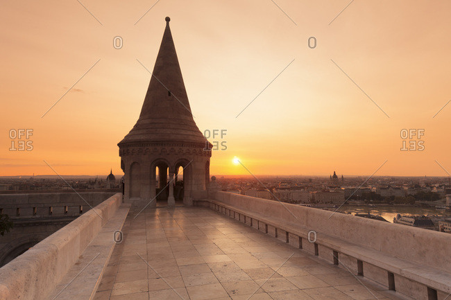 Fisherman\'s Bastion at sunrise, Buda Castle Hill, Budapest, Hungary, Europe