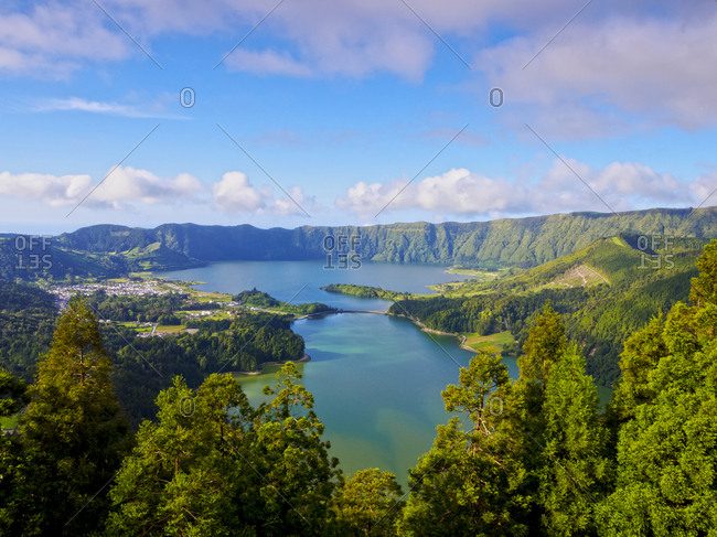 Lagoa das Sete Cidades, elevated view, Sao Miguel Island, Azores, Portugal, Atlantic, Europe