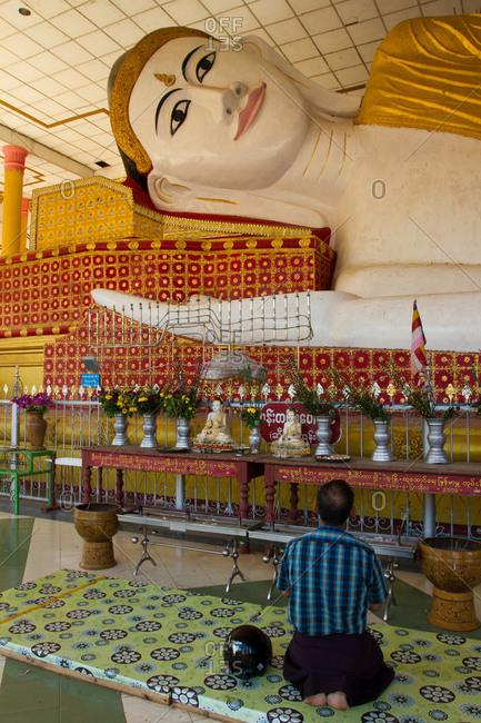 January 22, 2015: Buddhist prayers, Bagan (Pagan), Myanmar (Burma), Asia