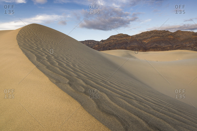 USA, California, Death Valley National Park, Eureka Dunes, Rippled sand dune