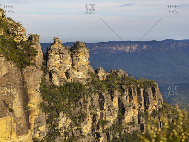 Australia, New South Wales, Blue Mountains, Storm clouds above Three Sisters