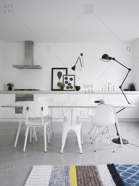 May 10, 2012: Modern Living Kitchen
