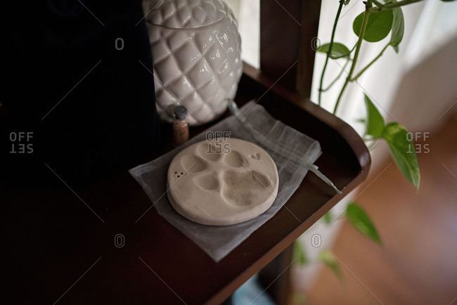 Dog paw print keepsake
