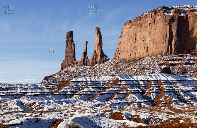 USA, Arizona, Monument Valley Navajo Tribal Park, High resolution panoramic view of snow-covered Monument Valley on winter morning