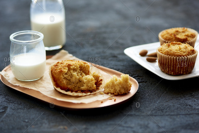 Yogurt muffins and milk