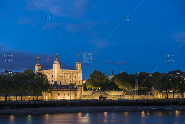 Tower of London at night, UNESCO World Heritage Site, City of London, London, England, United Kingdom, Europe