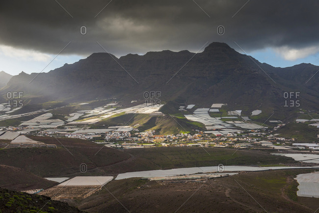 Canary Islands (Spain), Gran Canaria, view of San Nicolas de Tolentino, the large plastic greenhouses that characterize the landscape of Gran Canaria are used for the intensive cultivation of bananas
