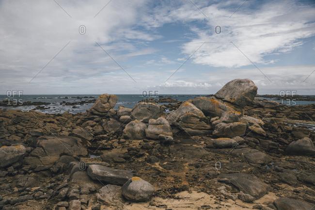 France- Brittany- Landeda- Dunes de Sainte-Marguerite- rocks at the coast