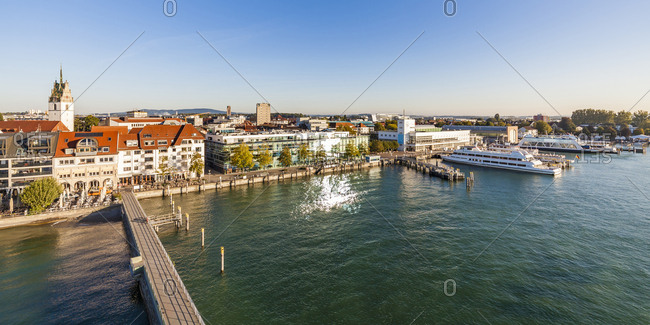 Germany- Baden-Wuerttemberg- Friedrichshafen- Lake Constance- city view- harbour- Zeppelin Museum at lakeside promenade