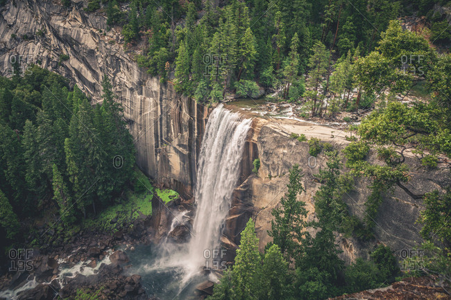 Scenic view of Vernal Fall in Yosemite National Park