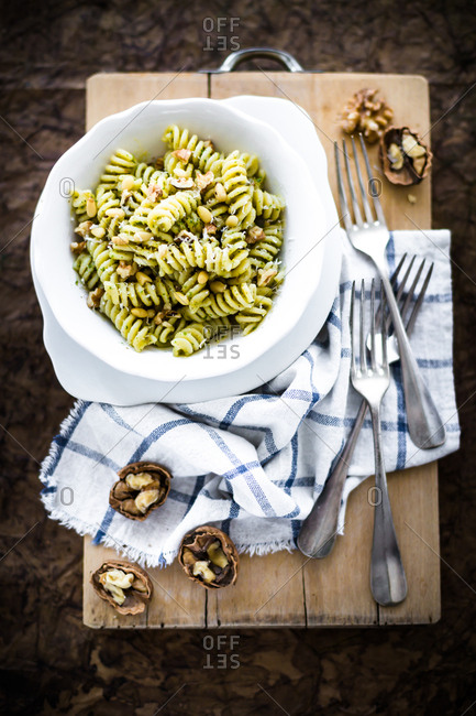 Ingredient and utensil for walnut pesto and fusilli with walnut pesto