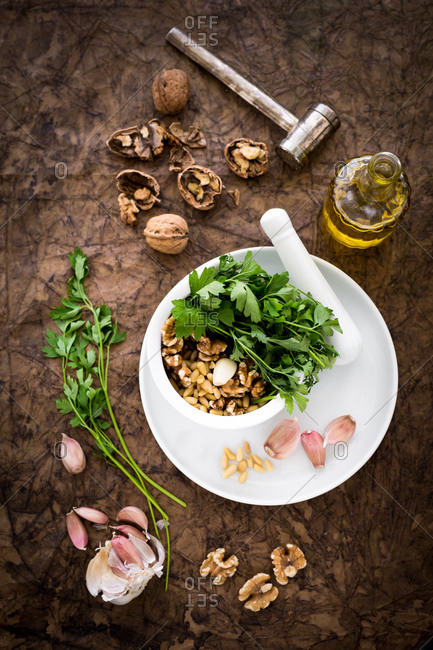 Ingredient and utensil for walnut pesto and fusilli with walnut pesto