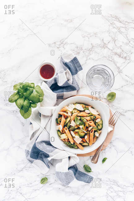 Spring pasta with zucchini, asparagus and honey