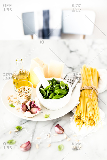 Spaghetti (trenette) with pesto sauce