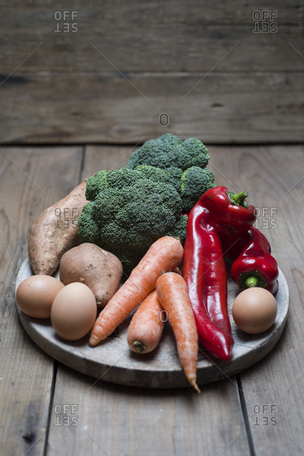 Organic food that contains a lot of vitamin a- broccoli- sweet potatoes- carrot- red pepper and eggs