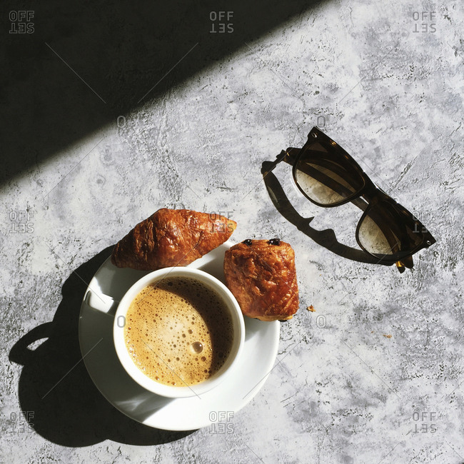 Coffee and sunglasses - Offset Collection