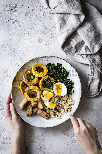 A savory winter squash, kale, tofu rice bowl