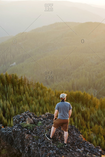 Hiker with camera at the summit of Iron Mountain in Oregon
