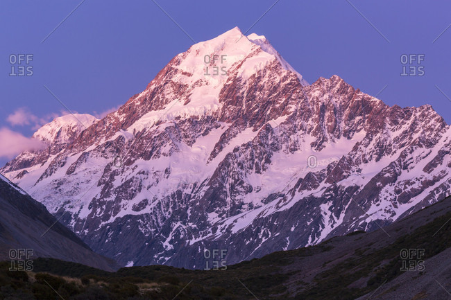Majestic natural scenery with view of Mount Cook from Hooker Valley Track, Canterbury, New Zealand