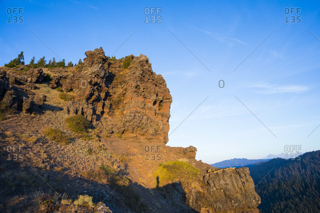 View from the top of the Iron Mountain hike in Oregon, a little known hike offering close to 1000 feet of elevation gain in less than one mile